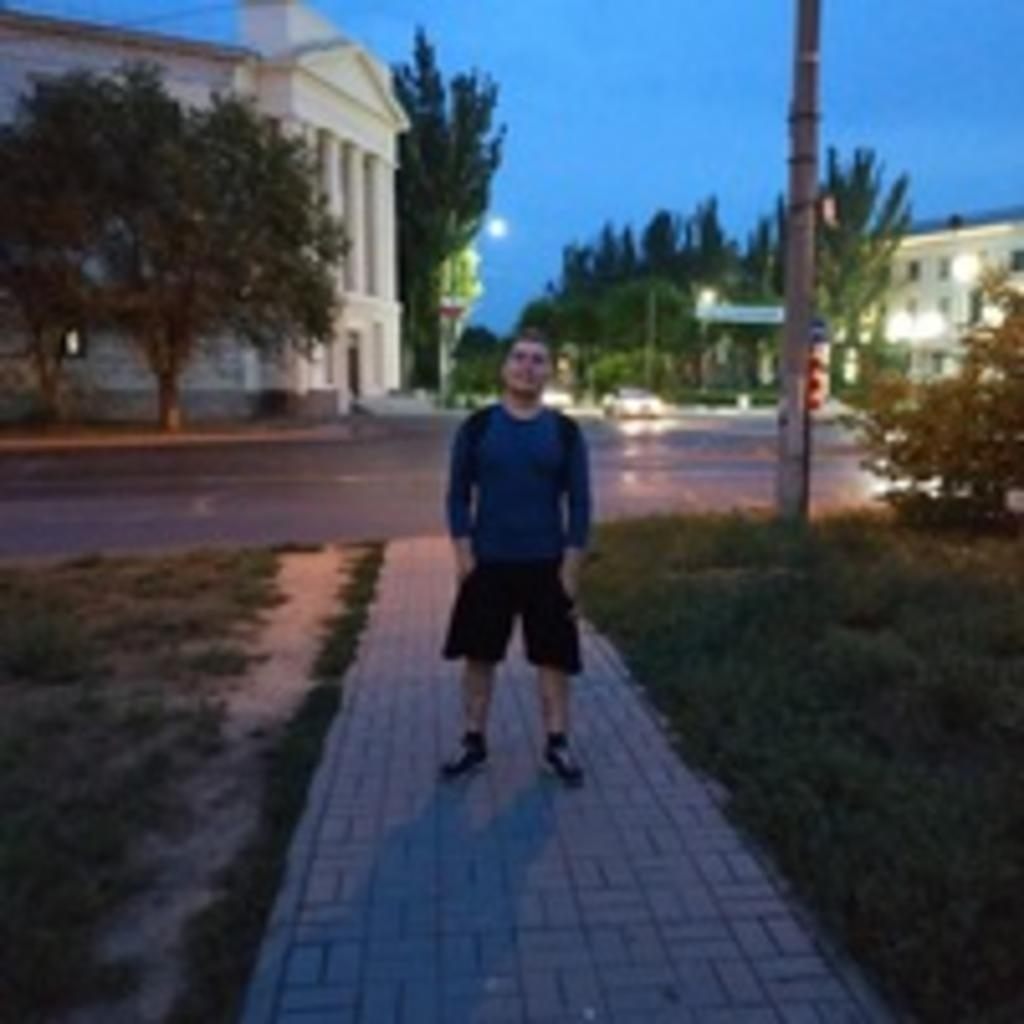 Анатолий Ларин